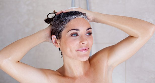 washing-your-hair-with-shampoo